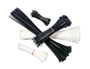 Cable tie set
