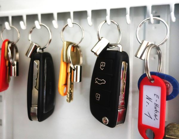 Storage: Key holder with connection 1