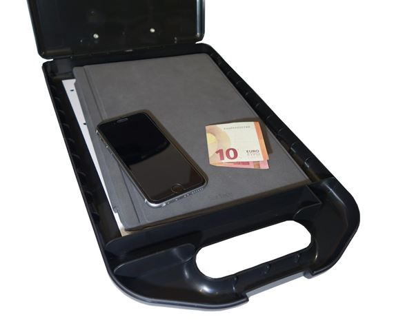 Organisation: Clipboard with storage compartment 1
